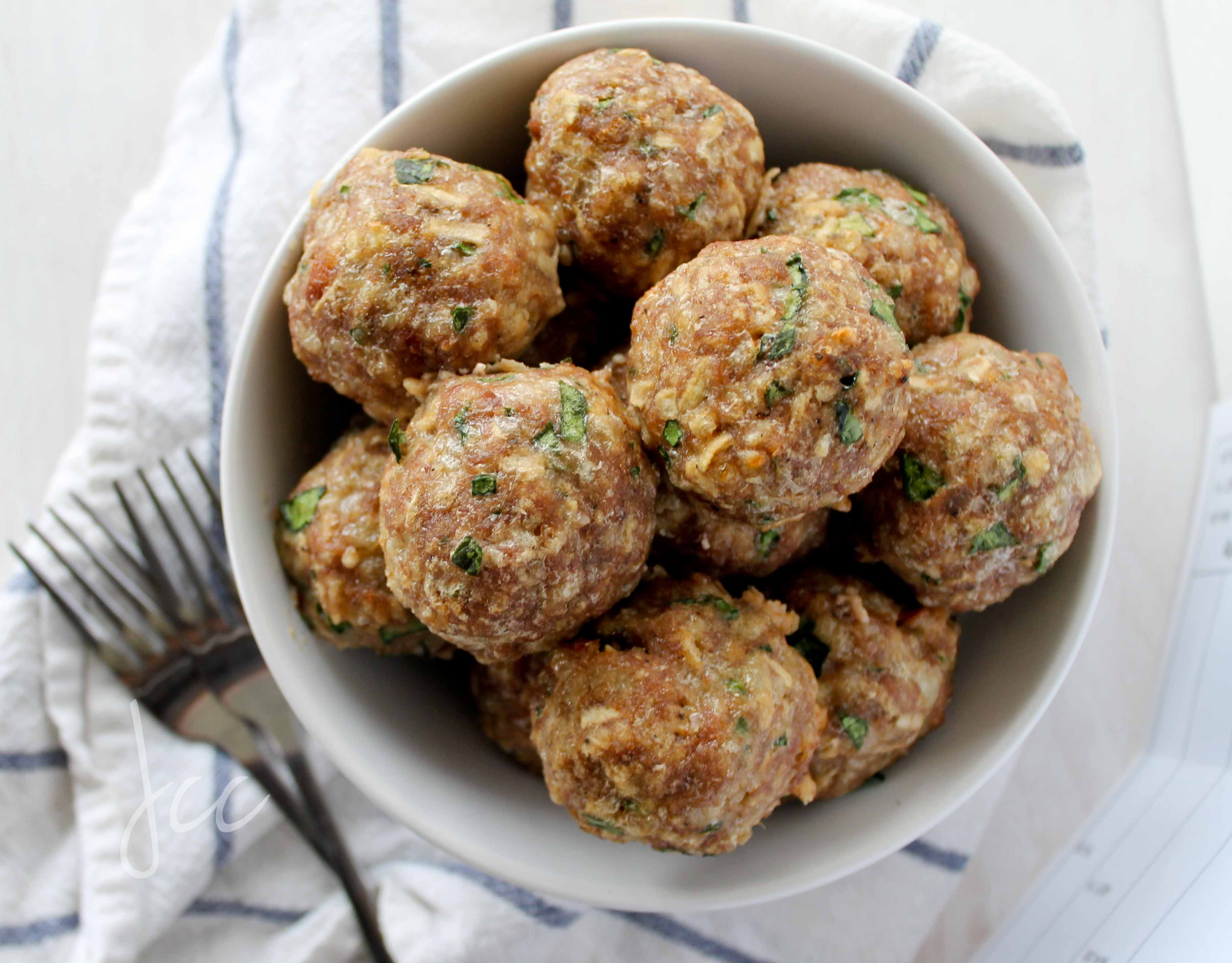 Turkey Meatballs with Apple, Spinach and Provolone - Jehan Can ...