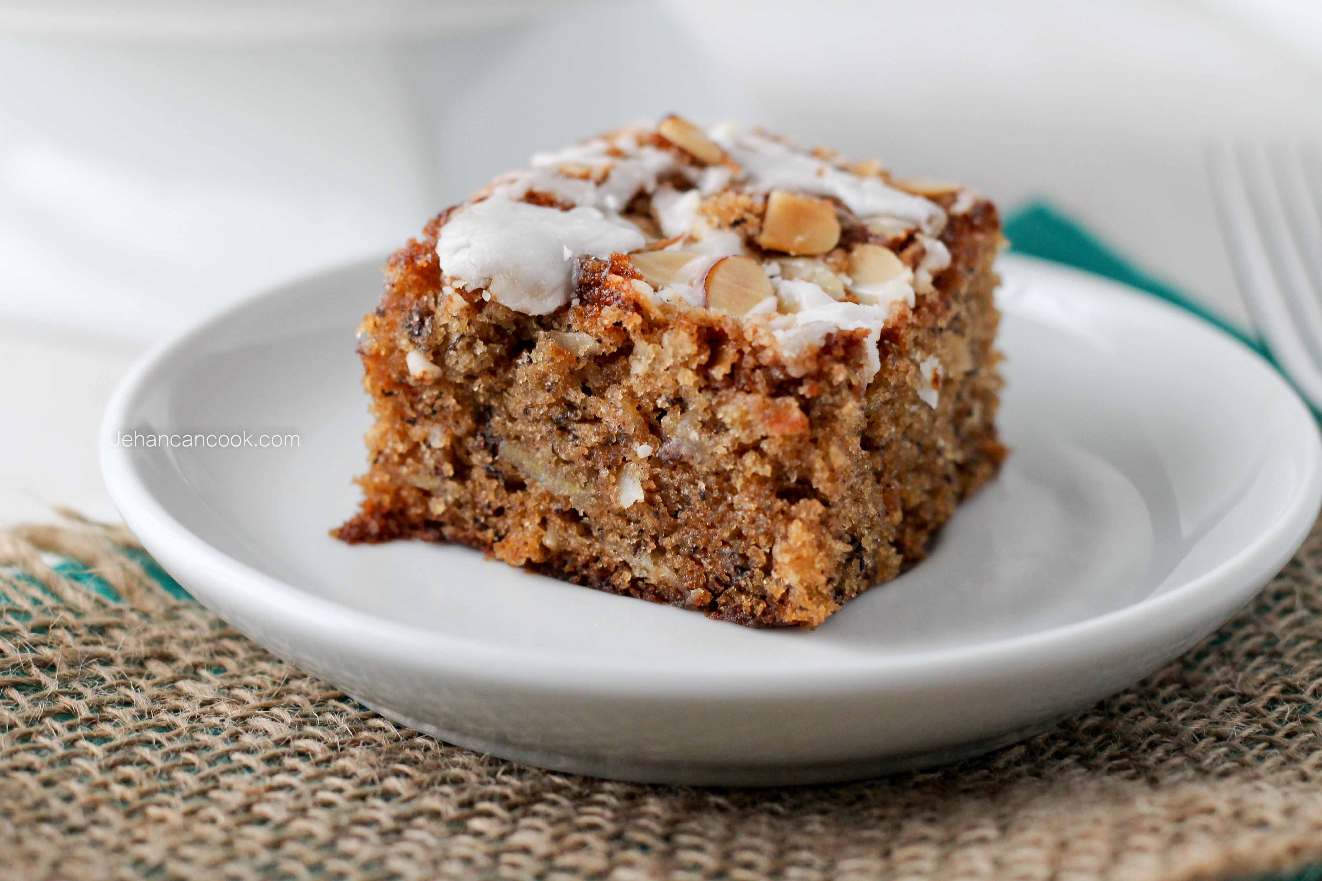 BANANA COCONUT CAKE WITH ALMOND STREUSEL CRUNCH - Jehan Can CookJehan ...