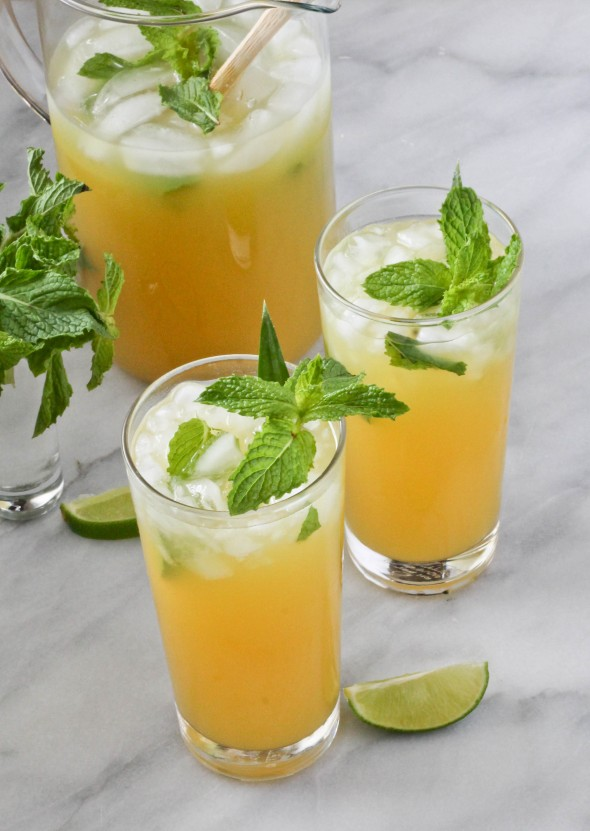 PINEAPPLE MINT WINE PUNCH