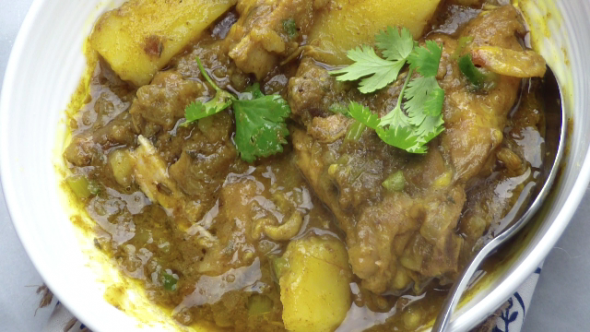 GUYANESE CHICKEN CURRY VIDEO