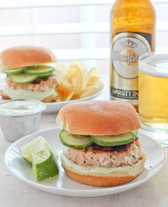 SALMON SLIDERS WITH JALAPENO MAYO